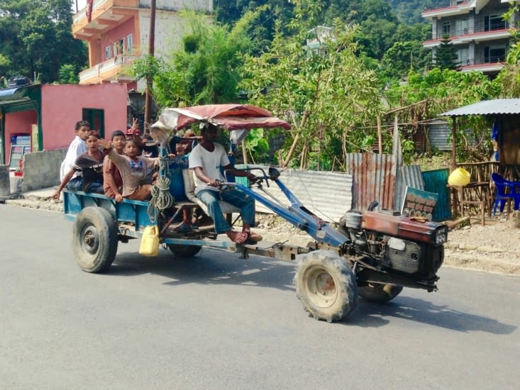 Réutilisation possible d'un motoculteur : le bus-culteur