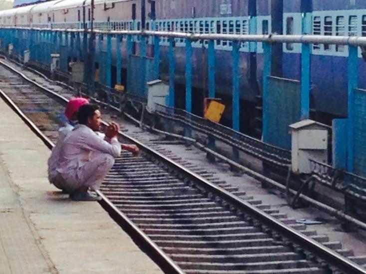 En attendant le train à Jodhpur...