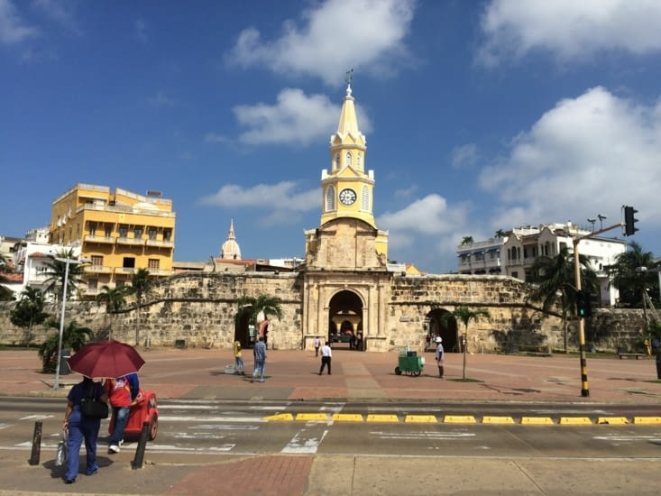 Tour de l'horloge, entrée de la vieille ville