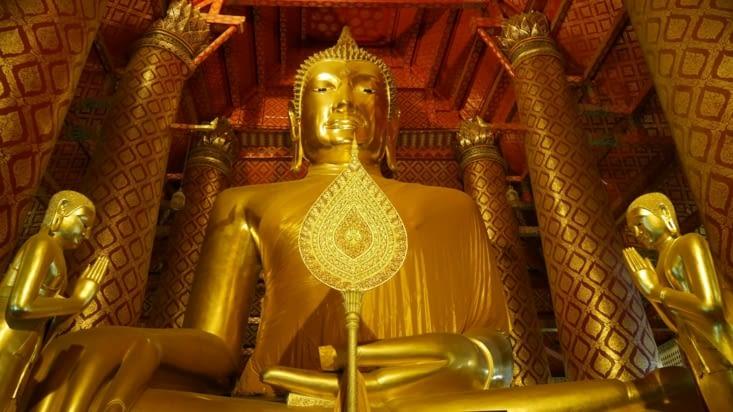 L'imposant Bouddha doré