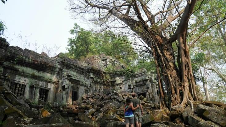 Banteay Srei, coeur avec les doigts