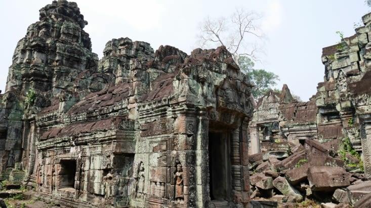 Des ruines partout