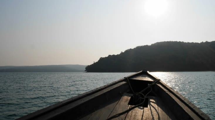 Sur notre petite embarcation dans le sud