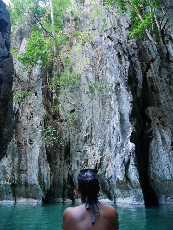 Dans un petit canyon étroit