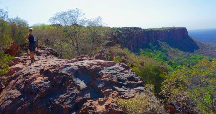 du haut de cette falaise je contemple l'immensité de la Namibie