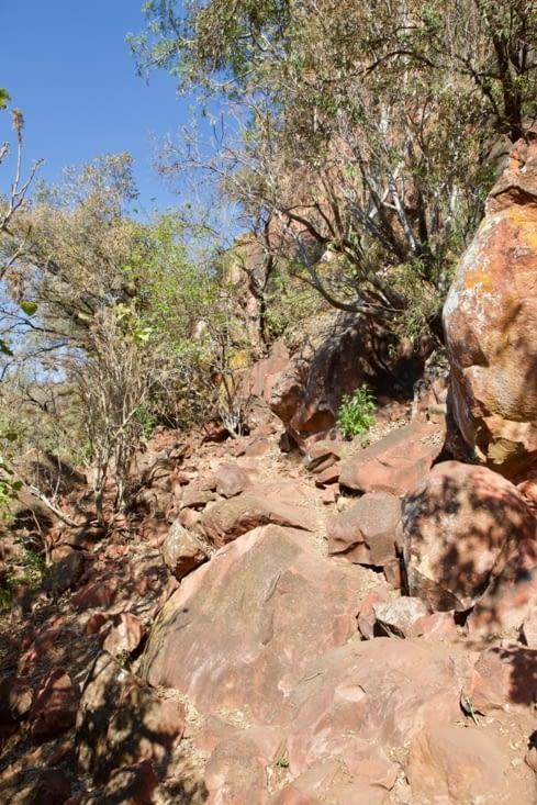 """et hop  ! """"saute rochers"""" pour atteindre la vallée"""