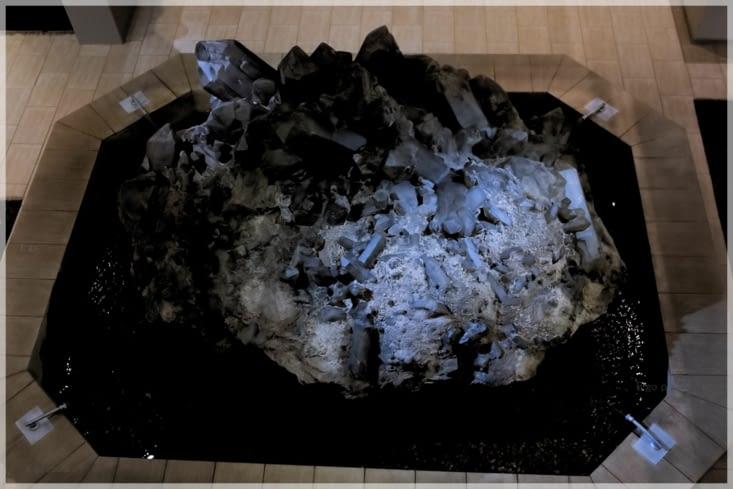 reconstitution d'un fond de mine de diamants
