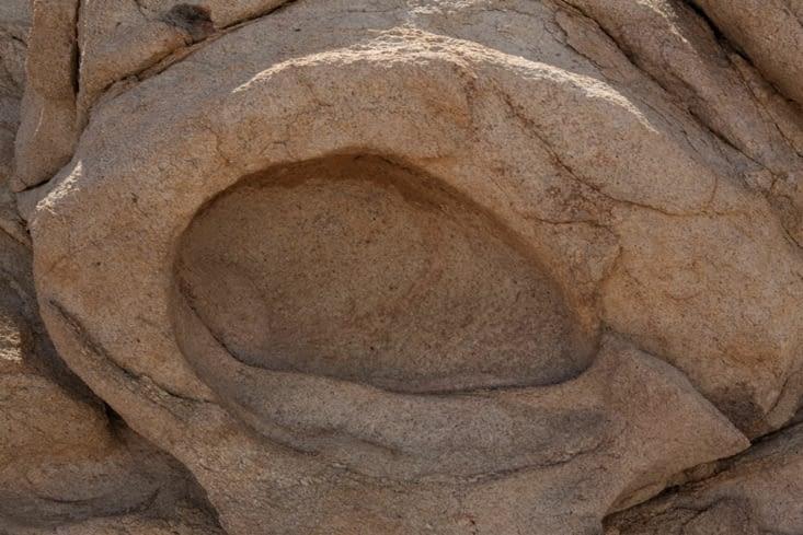 pierre de lave devenue la proie de l'érosion.
