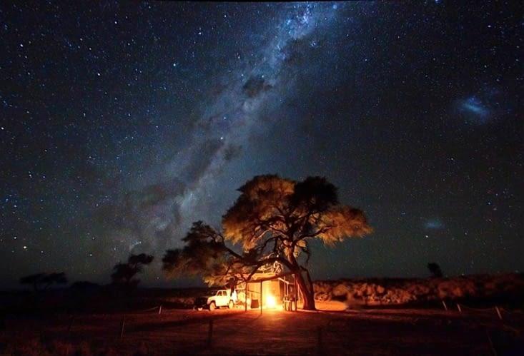 L'univers,   ses myriades d'étoiles, que pour nous.