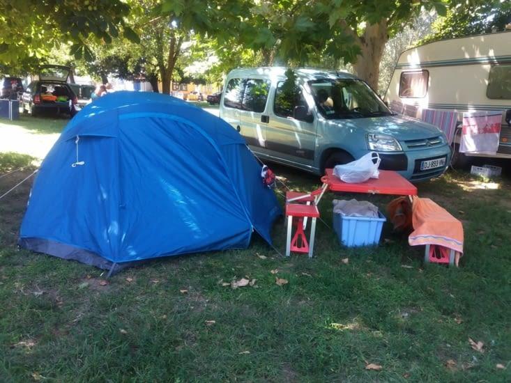 Et je me suis posée dans le premier camping que j'ai trouvé au bord de la route, j'ai dormi 11h.