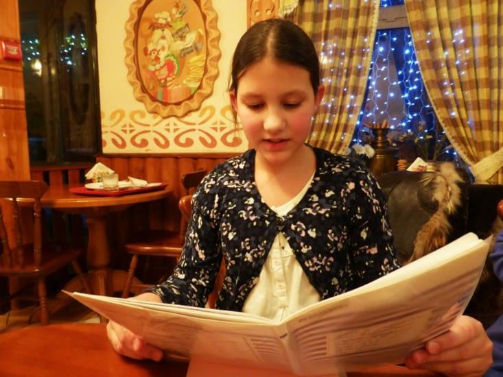 Macha, élève à l'école internationale, nous a lu une histoire en français...avec un accent parfait.