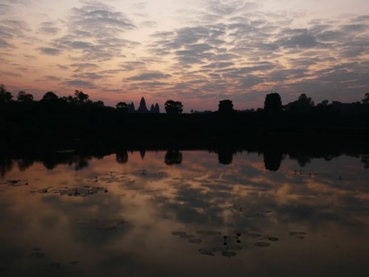 Levee de soleil a Angkor Wat