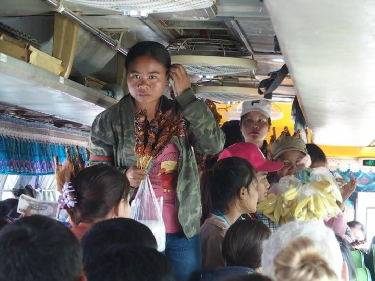 Marche dans le bus