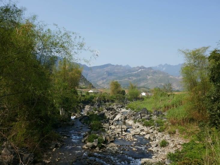 Du Gia, entre montagnes et rivieres