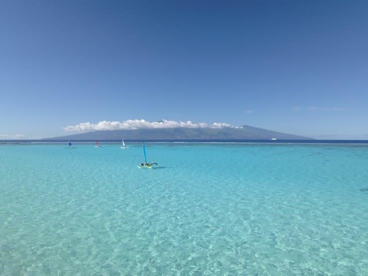 Tahiti depuis le lagon de Moorea