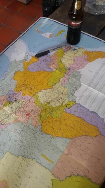 Réunion au sommet pour organiser l'itinéraire du voyage