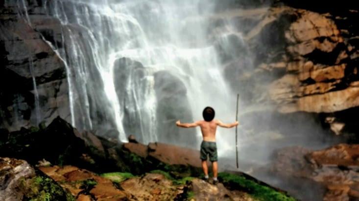 La cascade de Gocta face à son maître