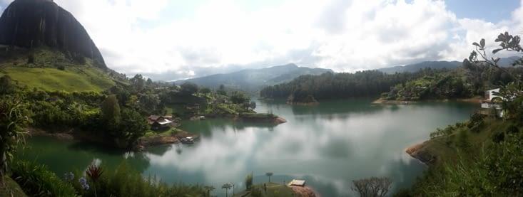 Le lac de Guatape, village vacance de Pablo Escobar (Colombie)