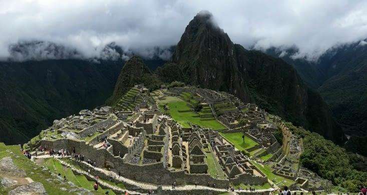 Monter en premier en haut du Machu Picchu (Pérou)
