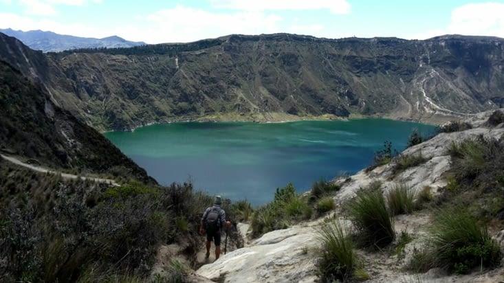 Le volcan éteint Quilotoa, aujourd'hui rempli d'eau (Equateur)