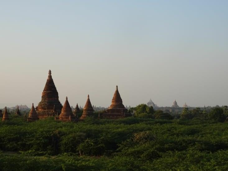 Ultime coucher de soleil à Bagan