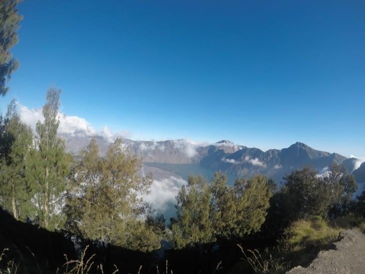 Cratère du volcan (avec un autre petit volcan à l'intérieur)