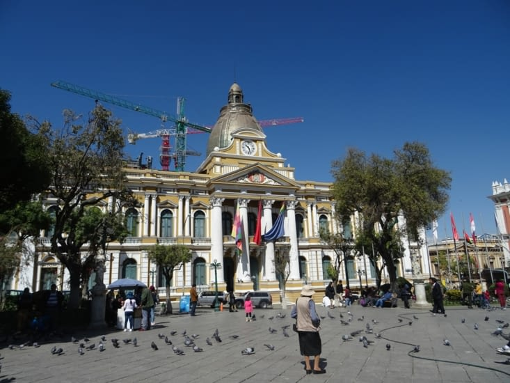 La place centrale de la ville