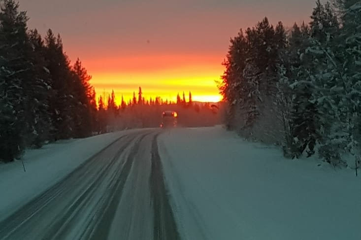 Je pars, la nuit arctique aussi, aujourd'hui premier lever de soleil