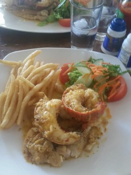 Filet de pescado con langosta