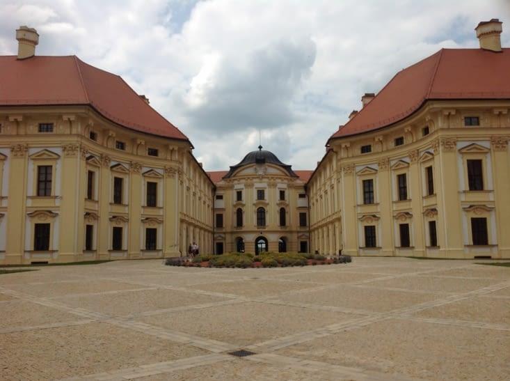 Château  d'AUSTERLITZ ou fut signé l'armistice