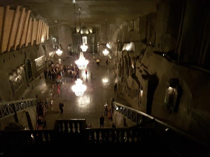 Une Cathedrale a 130m sous terre!