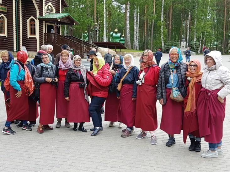 Nos femmes pour la visite du monastere!