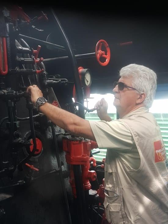 JF aux commandes la locomotive à vapeur