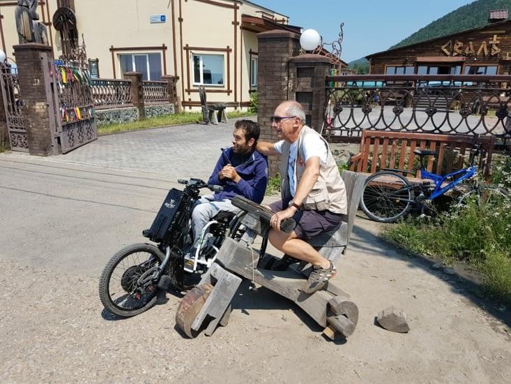 Sam et Daniel et ma moto en entier!