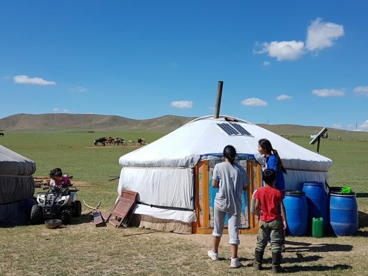 Yourte de la famille Mongole