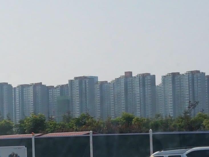 """Des barres d""""immeuble immenses@"""