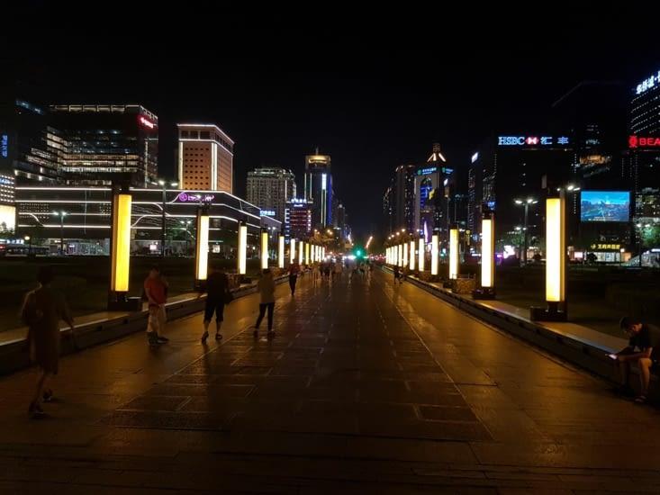 XI'AN: ville nouvelle la nuit