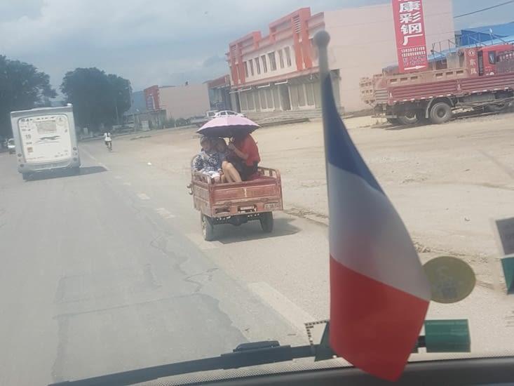 Le scooter tricycle: moyen de transport très utilisé