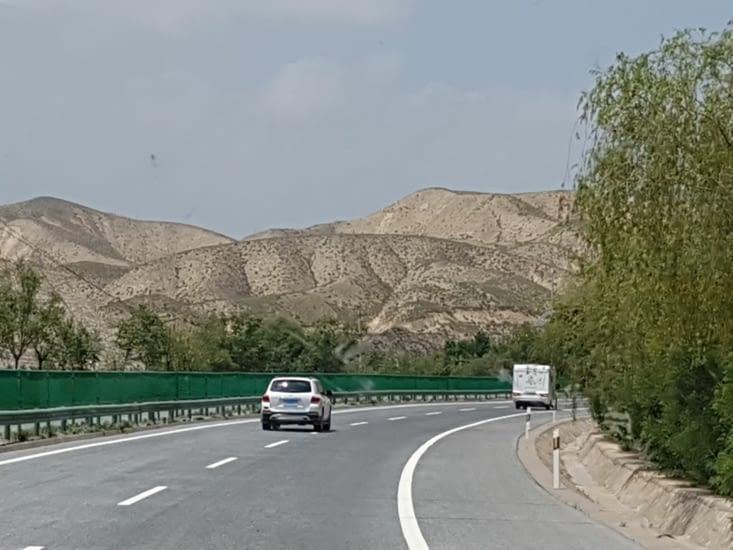 Des montagnes arides