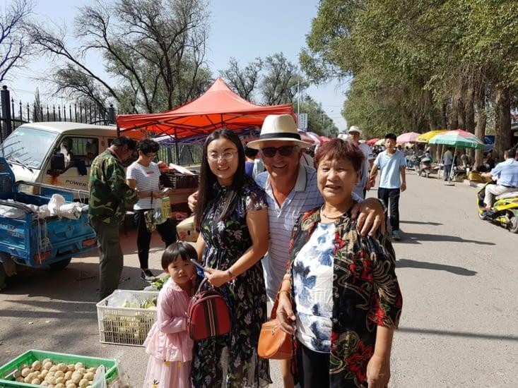 Au tour de JF de demander aux Chinoises d'être pris en photo avec elles!
