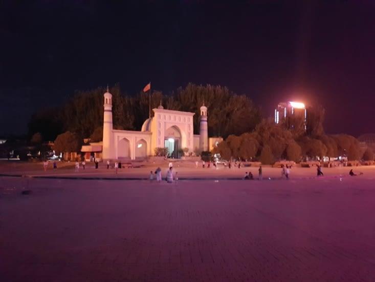 La mosquée vue de nuit