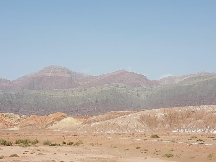Les montagnes sont de différentes couleurs