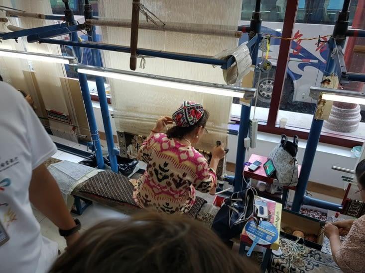 Fabrique de tapis en soie