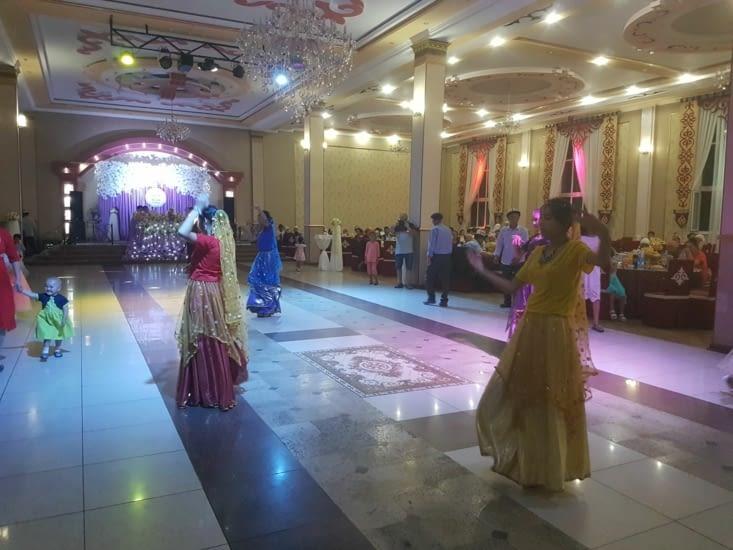 Spectacle de danse traditionnelle après la séance dancing