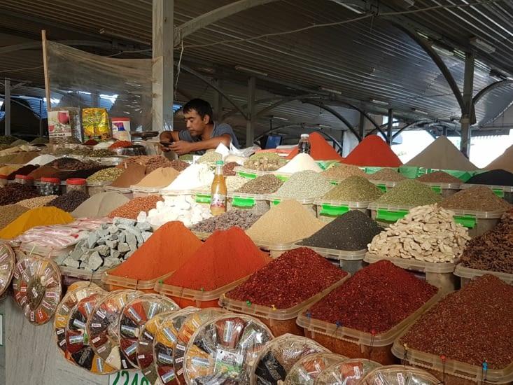 Le bazar de Tachkent