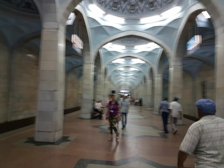 Métro de Tashkent.