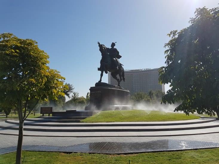 Place Amir Temur  à Tachkent
