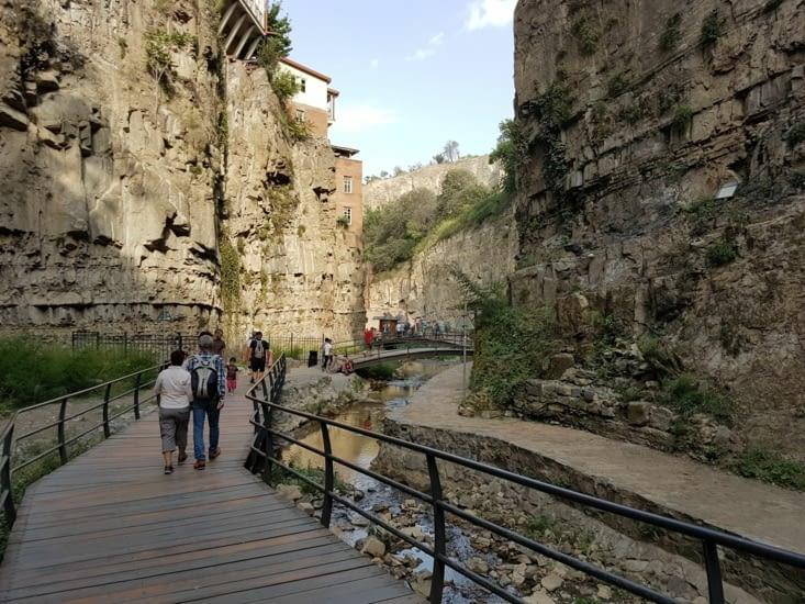 Gorge d'accès à la cascade
