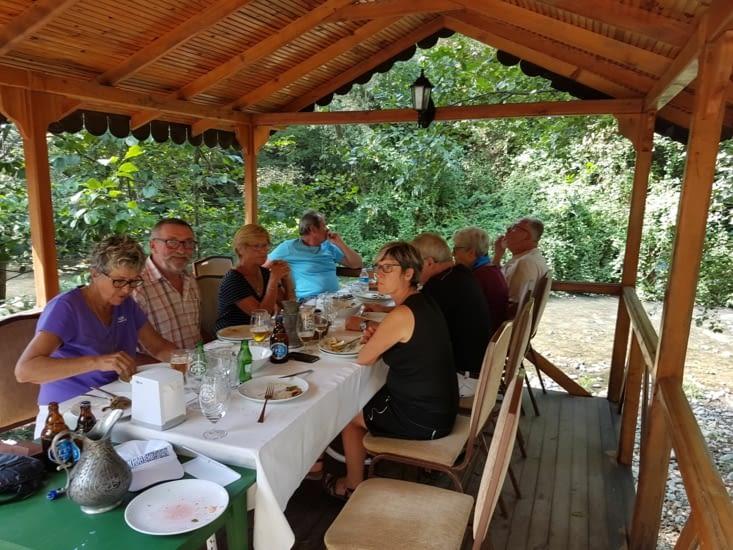 Repas du midi offert par l'organisation