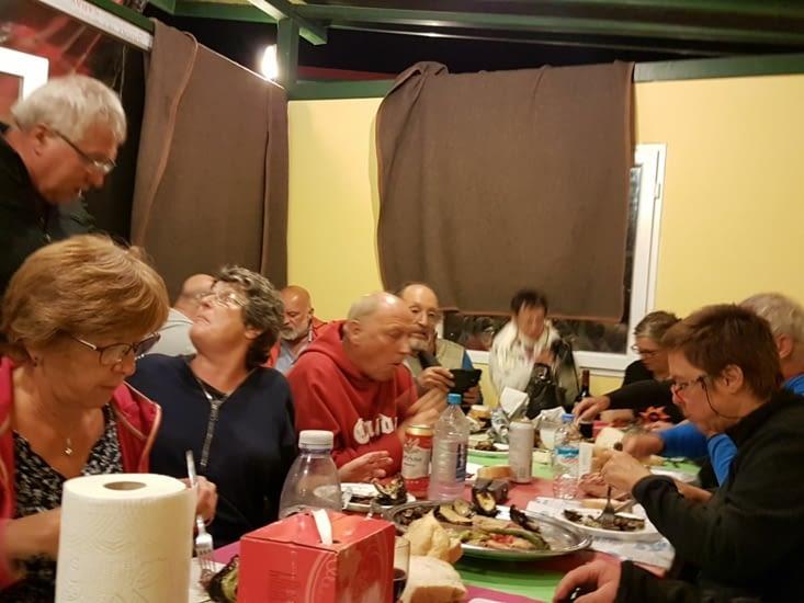 Repas du soir: on a tous commandé un kebab spécial au camping